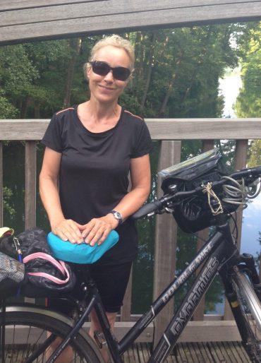 Beatrice Poschenrieder auf Radtour am Werbellinsee