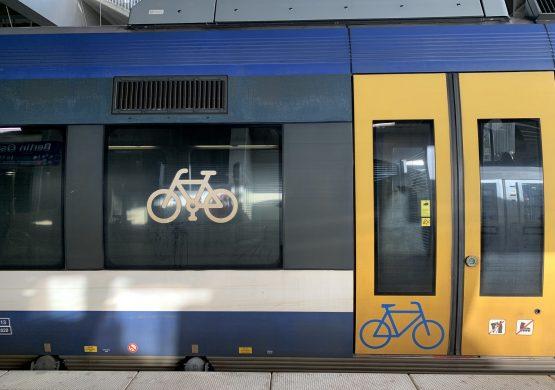 Fahrradabteil eines Regionalzuges in Berlin Bahnhof Ostkreuz