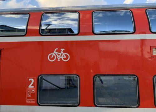 Typisches Radabteil eines Regionalzugs der Deutschen Bahn