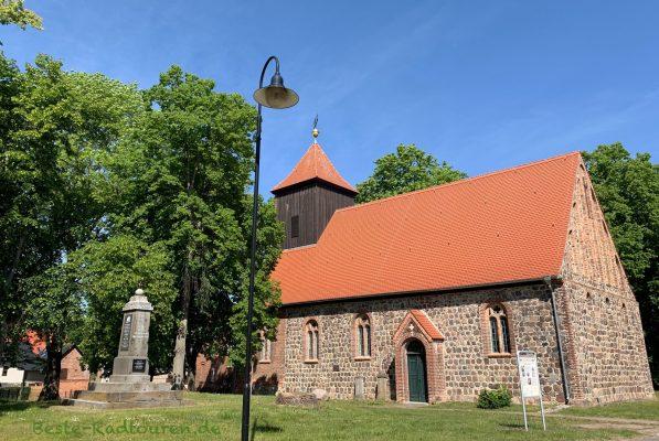Die Feldstein-Kirche von Jacobsdorf bei Frankfurt